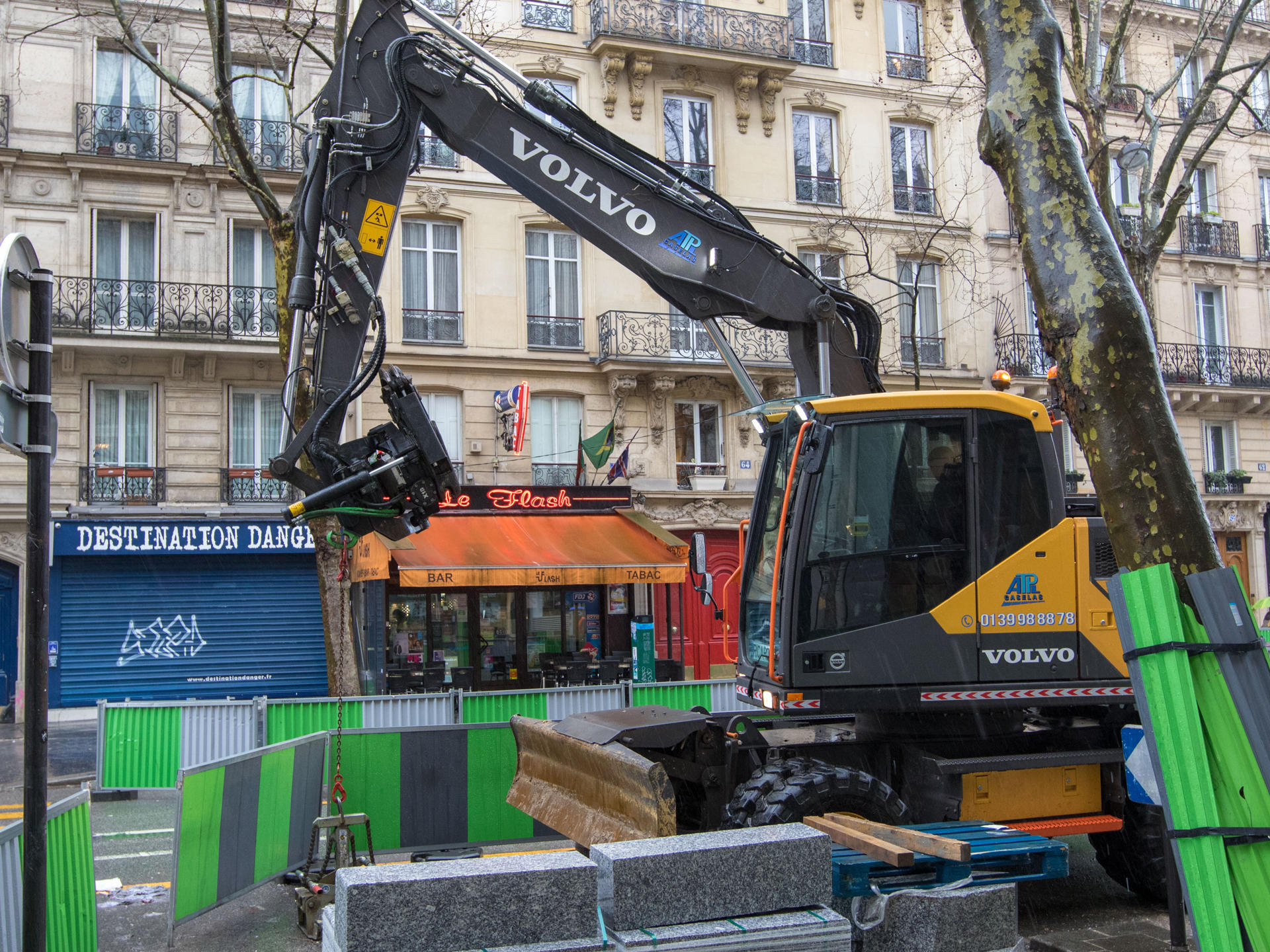grand-paris-demonstrates-volvo-groups-ability-to-support-worlds-largest-projects-02-1920
