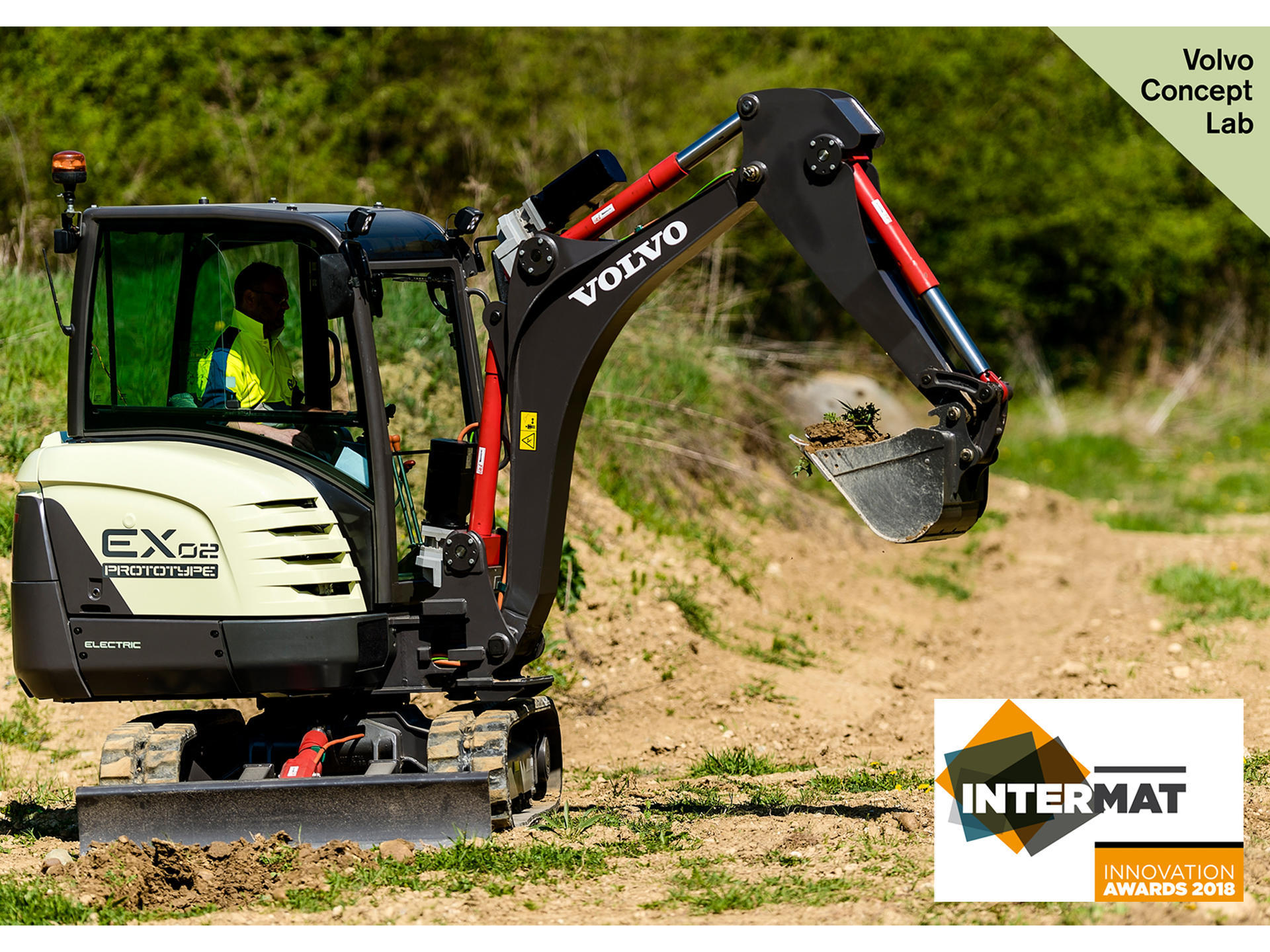 volvo-ce-fully-electric-compact-excavator-prototype-wins-intermat-innovation-award-03-1920x1440
