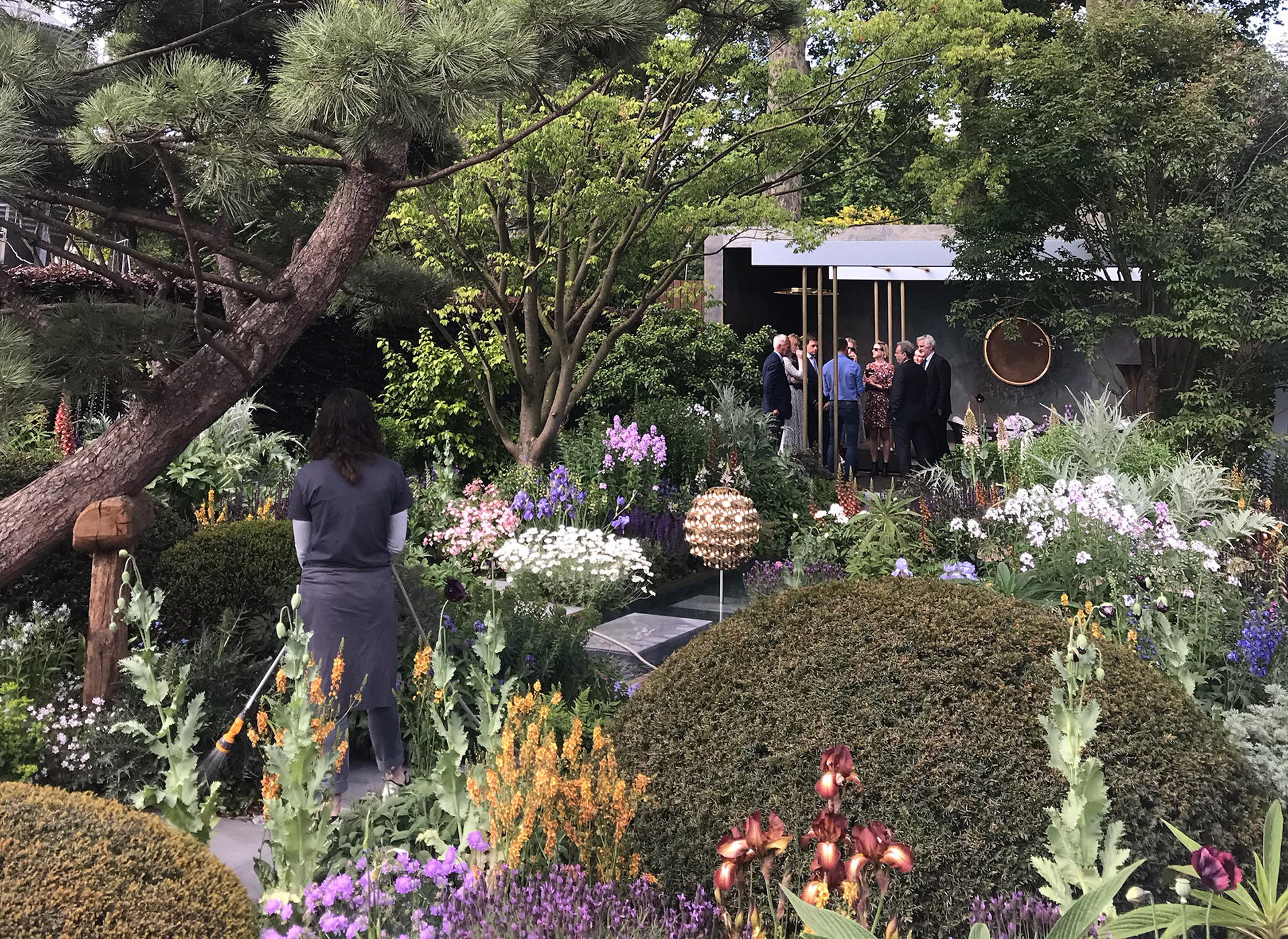 2019_May_Volvo_Electric_machine_lights_up_award_winning_garden_at_the_RHS_Chelsea_Flower_Show_02