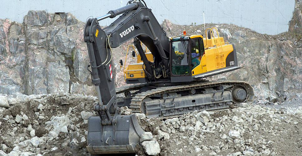 The Volvo EC700C - the largest crawler excavator in the Volvo family