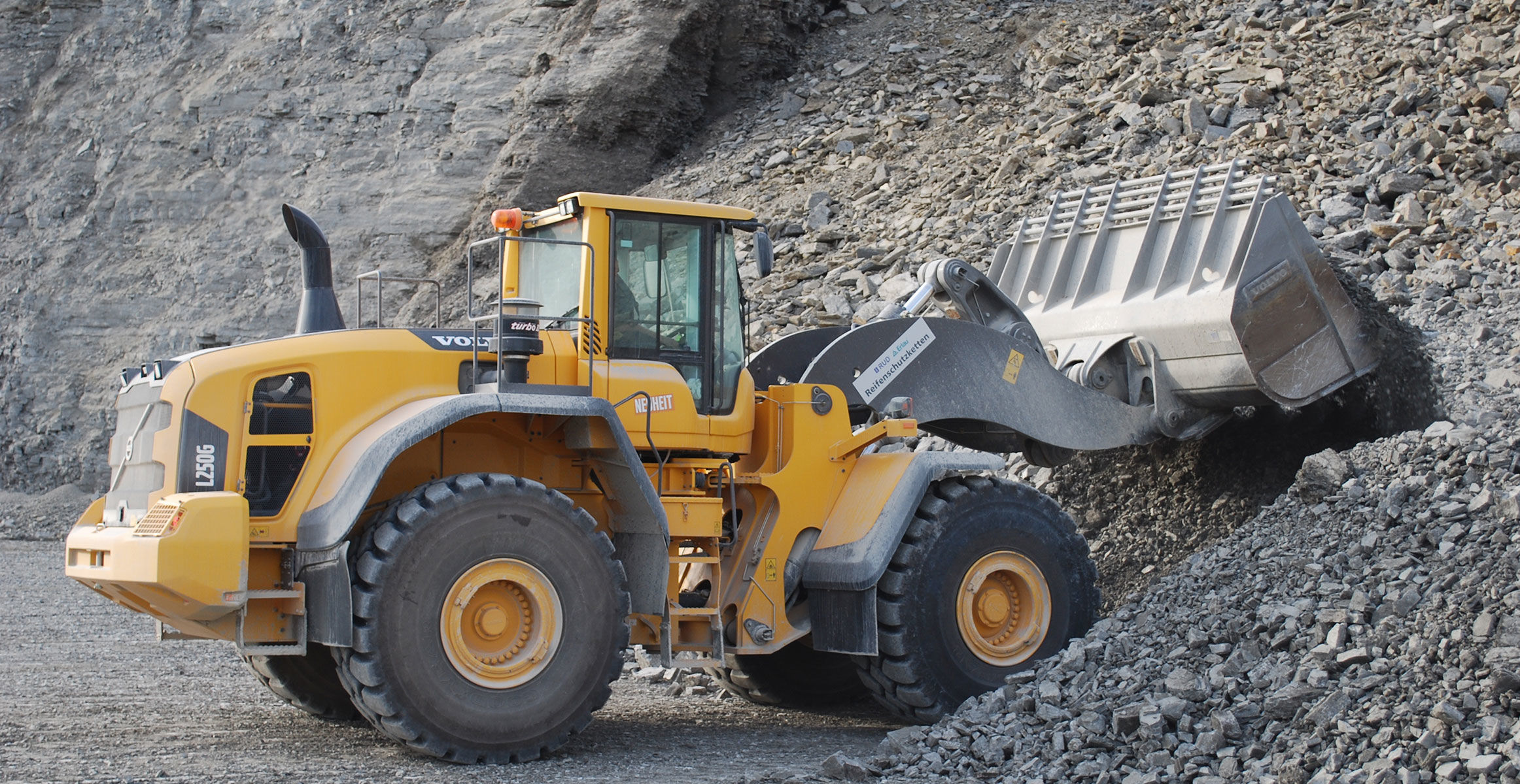 Volvo L250G wheel loader provides new possibilities in German quarry
