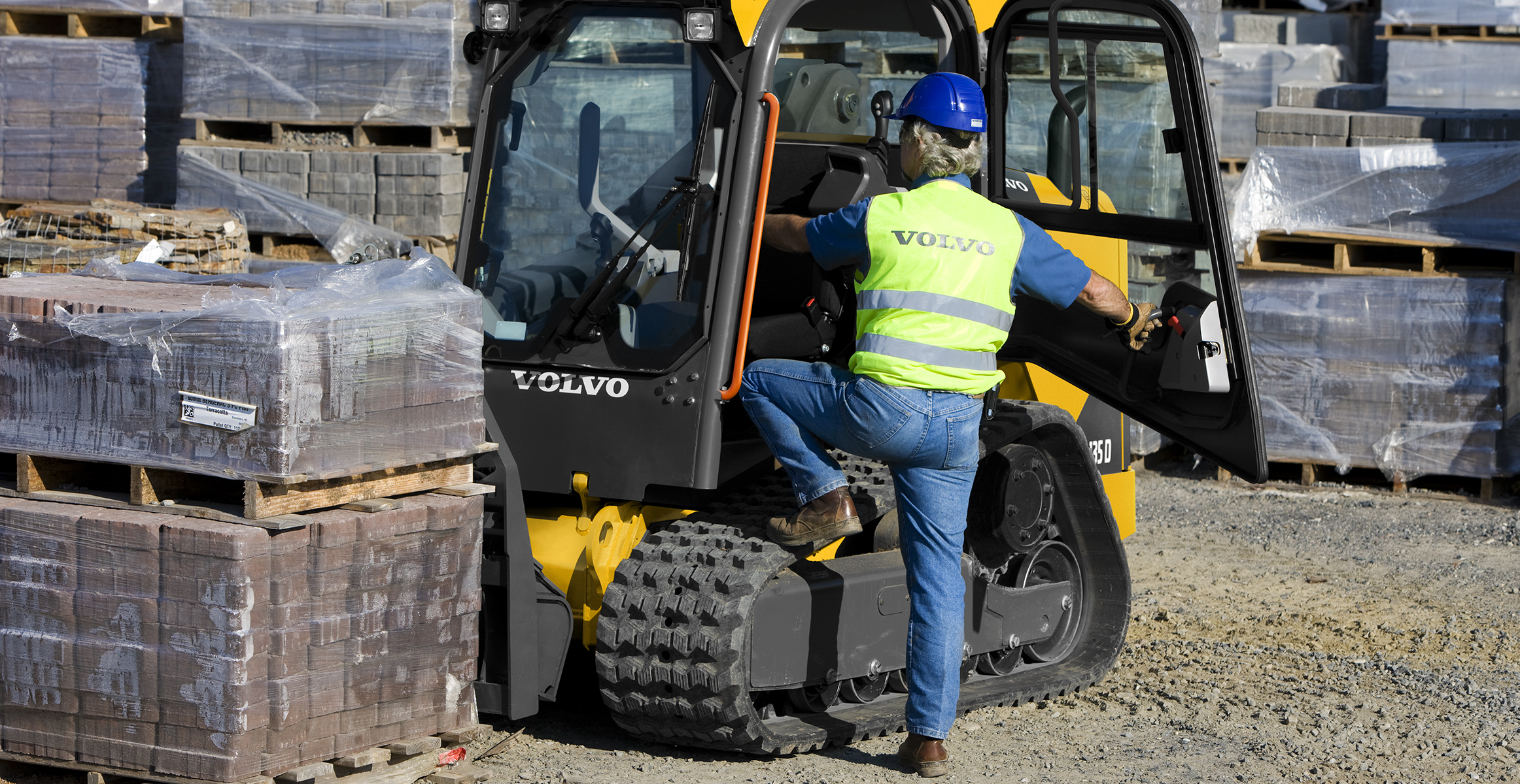 MCT135D | Compact Track Loaders | Media gallery | Volvo Construction Equipment