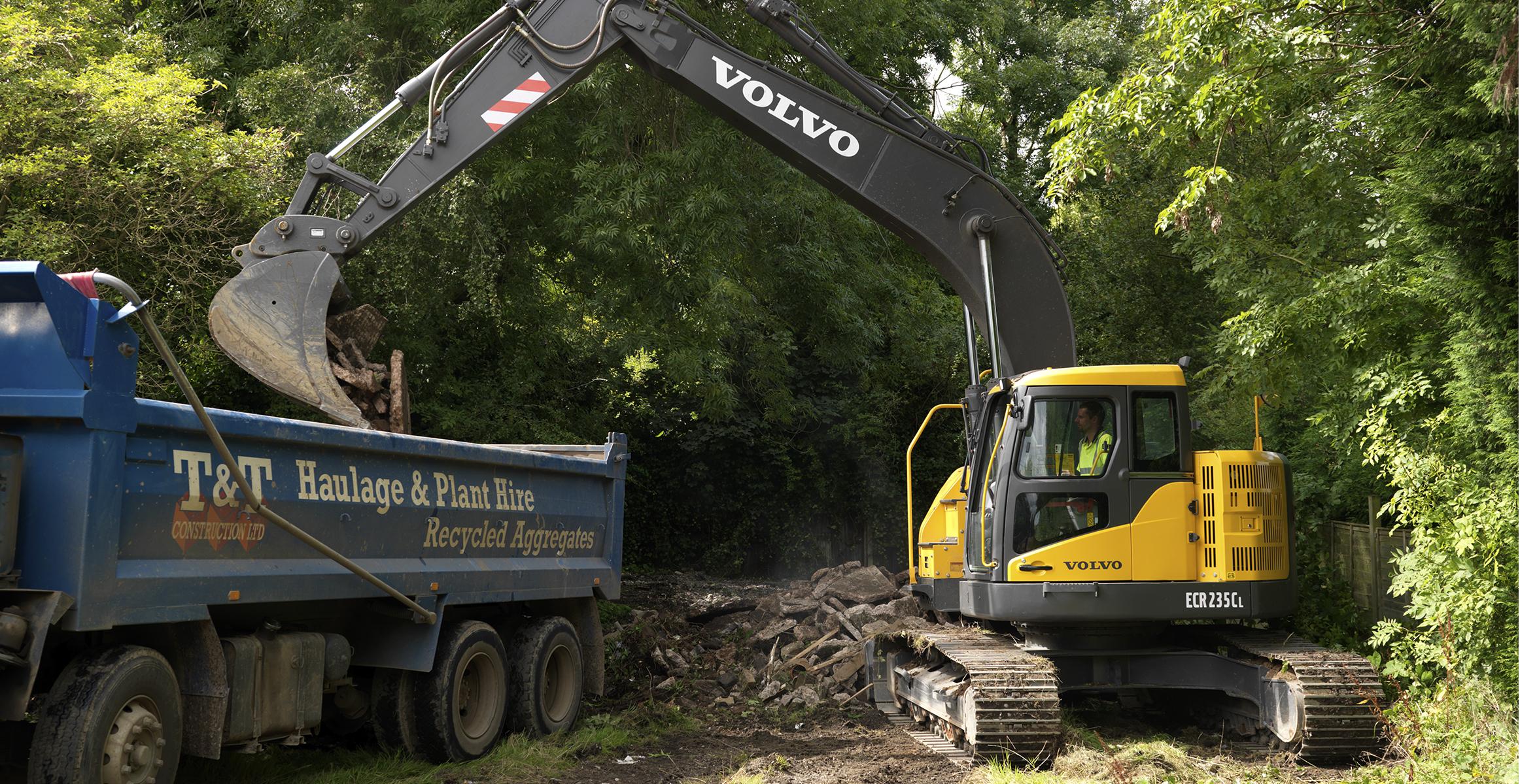 ECR235CL | Excavators | Overview | Volvo Construction Equipment