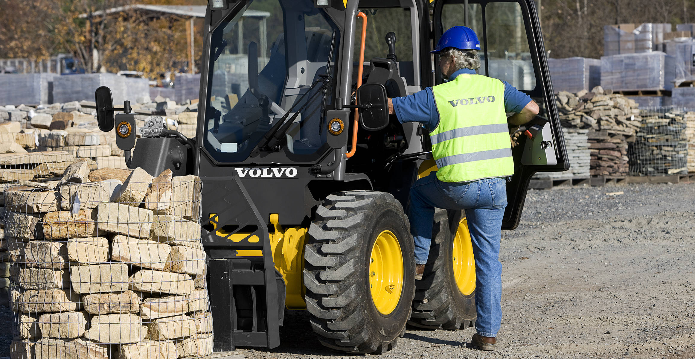 MC135D | Skid Steer Loaders | Overview | Volvo Construction