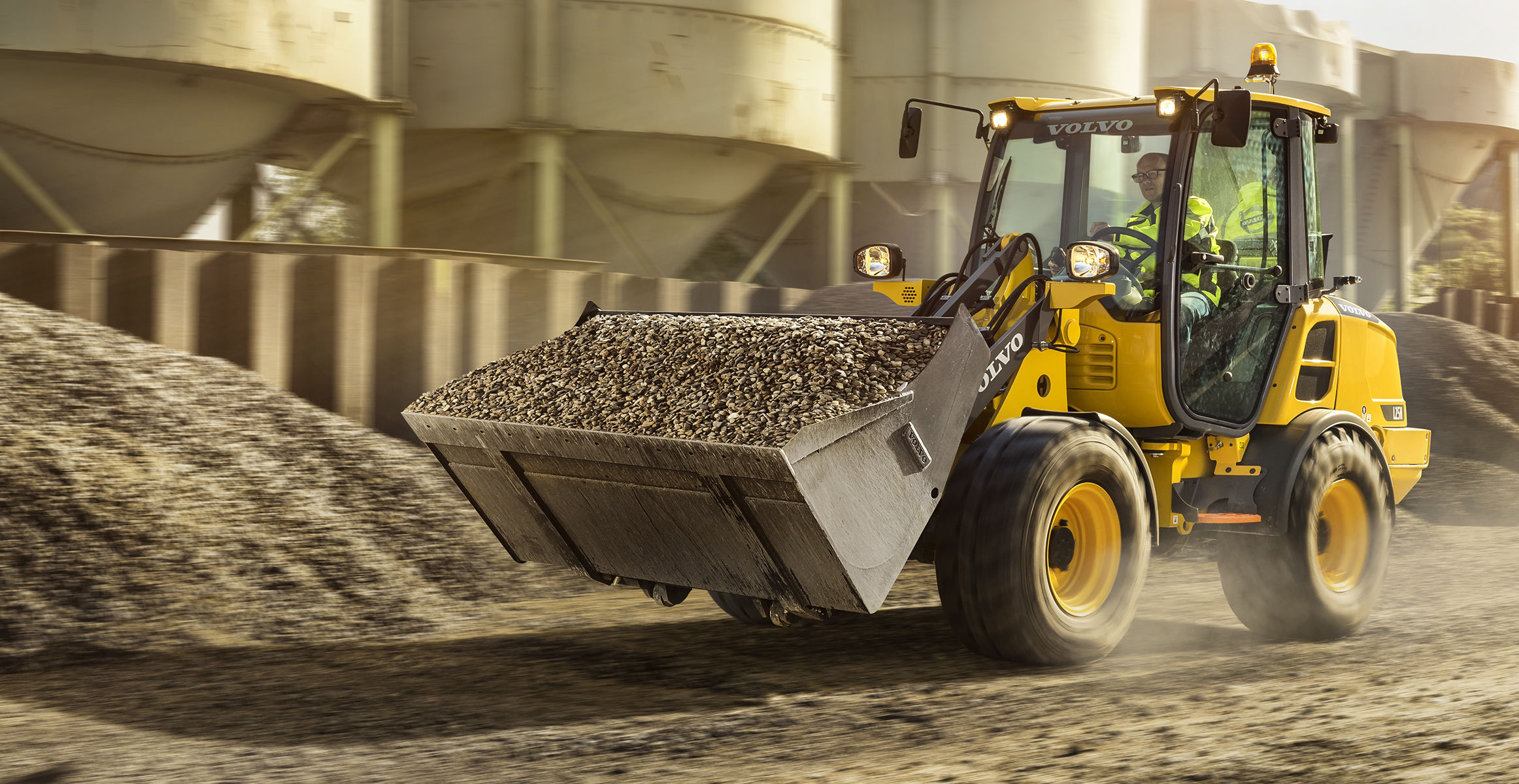 Compact Wheel Loader & Front End Loaders - Volvo Construction Equipment