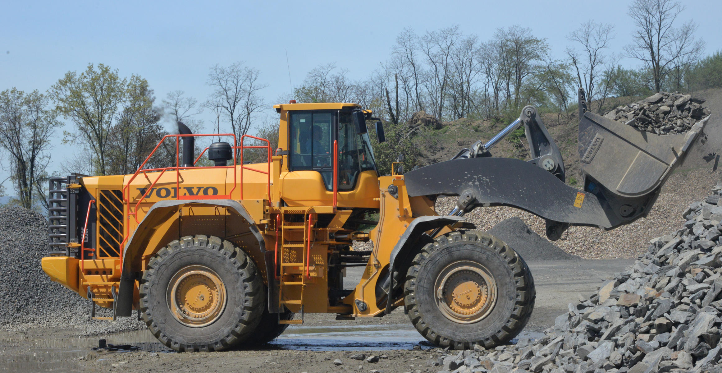 Volvo articulated truck at Lycoming County landfill