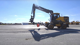 Volvo Wheeled Excavator with Steelwrist® Tiltrotator Attachment Skills Showcase