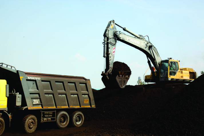 Volvo EC460B going strong at 45,000+ hrs at H D Enterprises, GIPCL Vastan