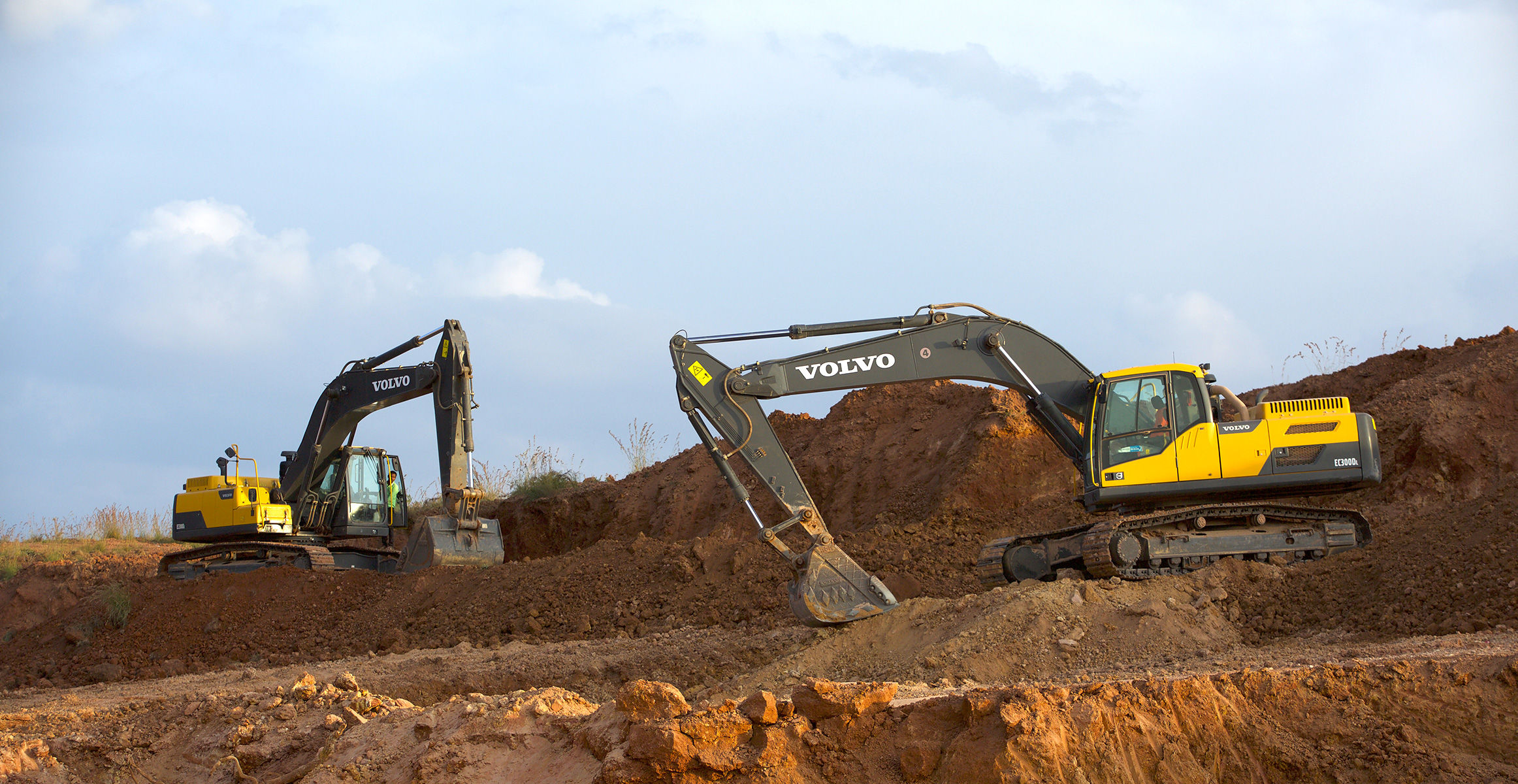 Volvo machines deliver 25% time saving on new runway ...