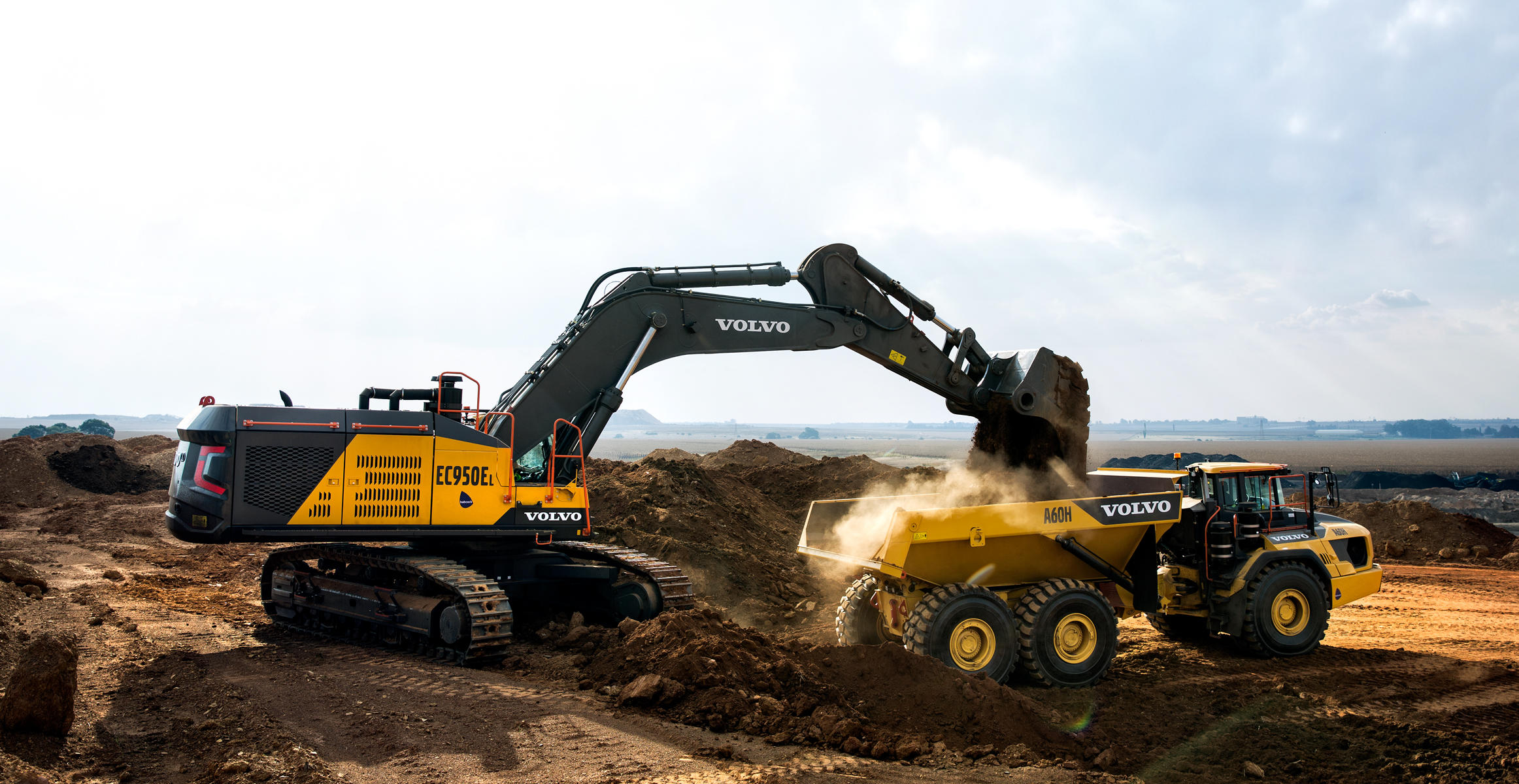 Volvo Ce Showed Off Large Capacity Mining Champions At
