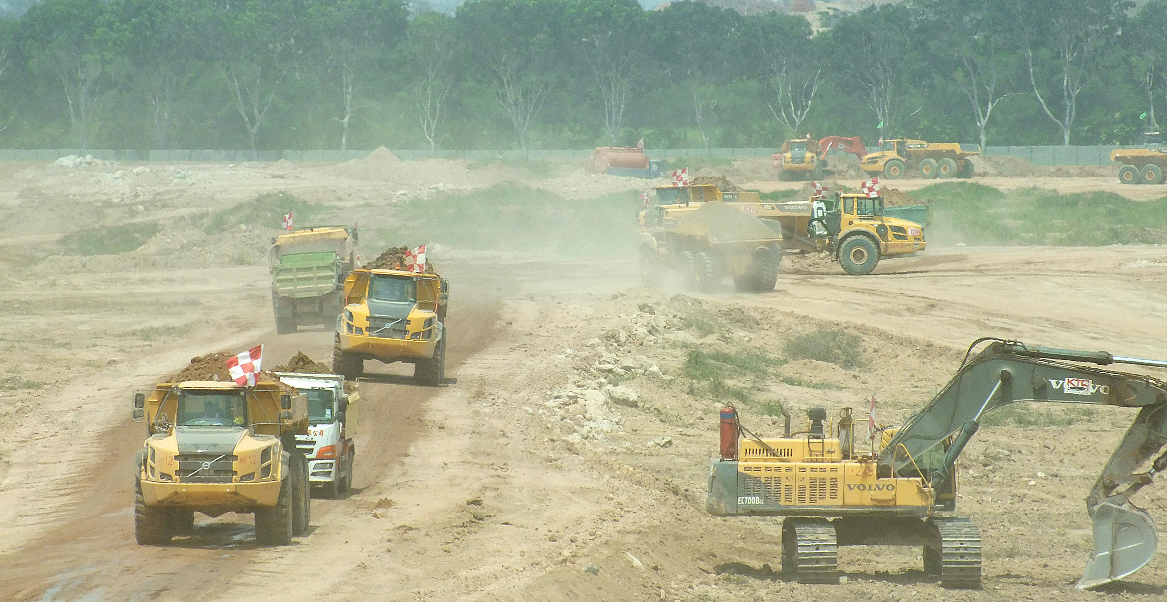 KTC relies on Volvo machines to move 15 million m3 of earth at Changi T5 site