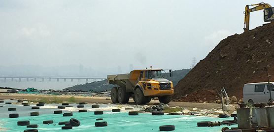 No time to waste at Hong Kong landfill