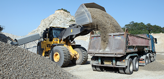Kun Woo says its L250H wheel loaders are able to fill a 25 ton truck in just three loads.