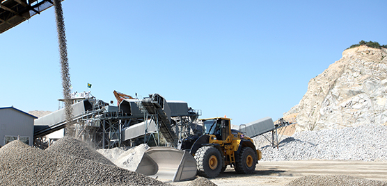 The Volvo CE equipment helps process some 1,200,000 m3 of rock each year.