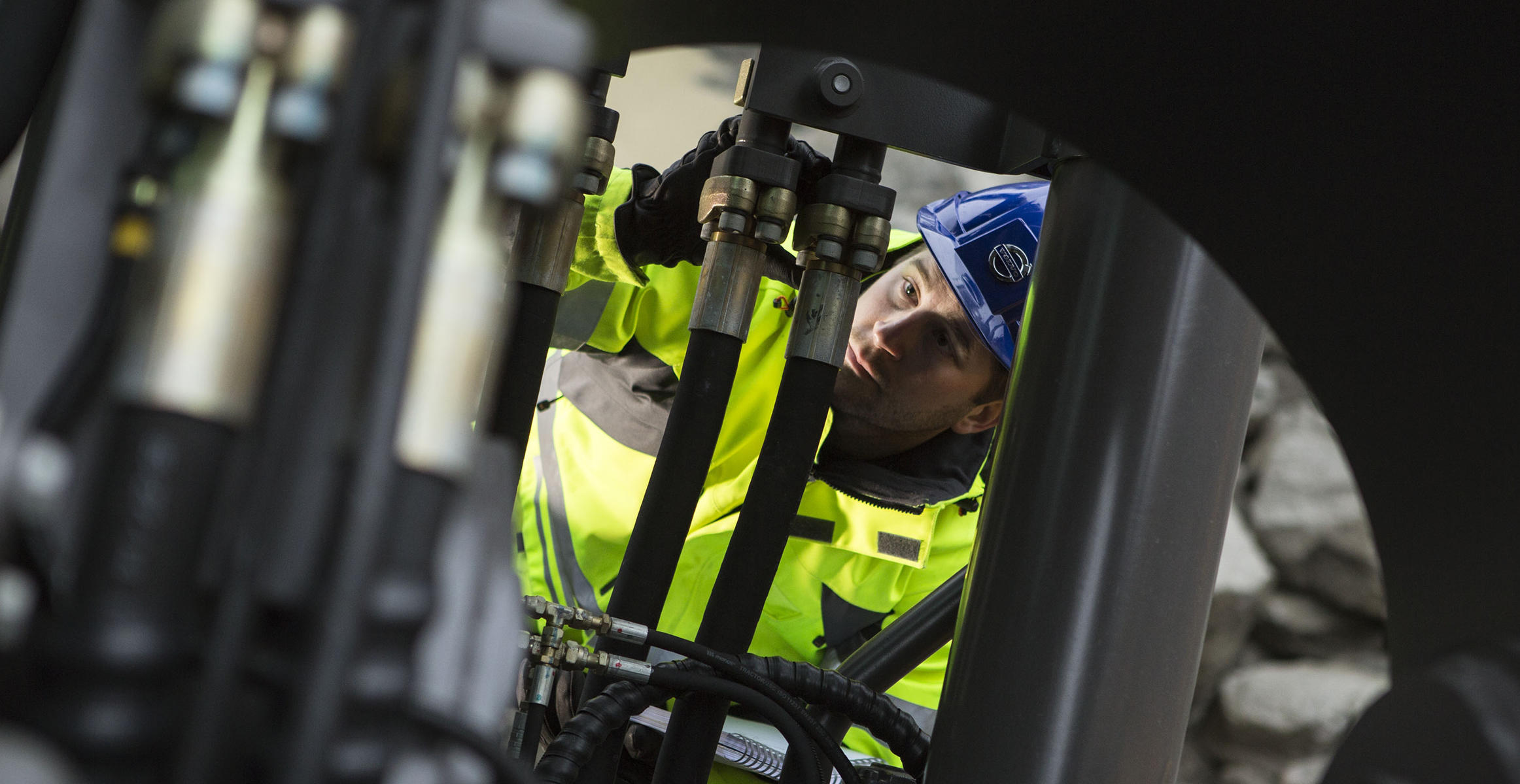 Carry out daily maintenance inspections