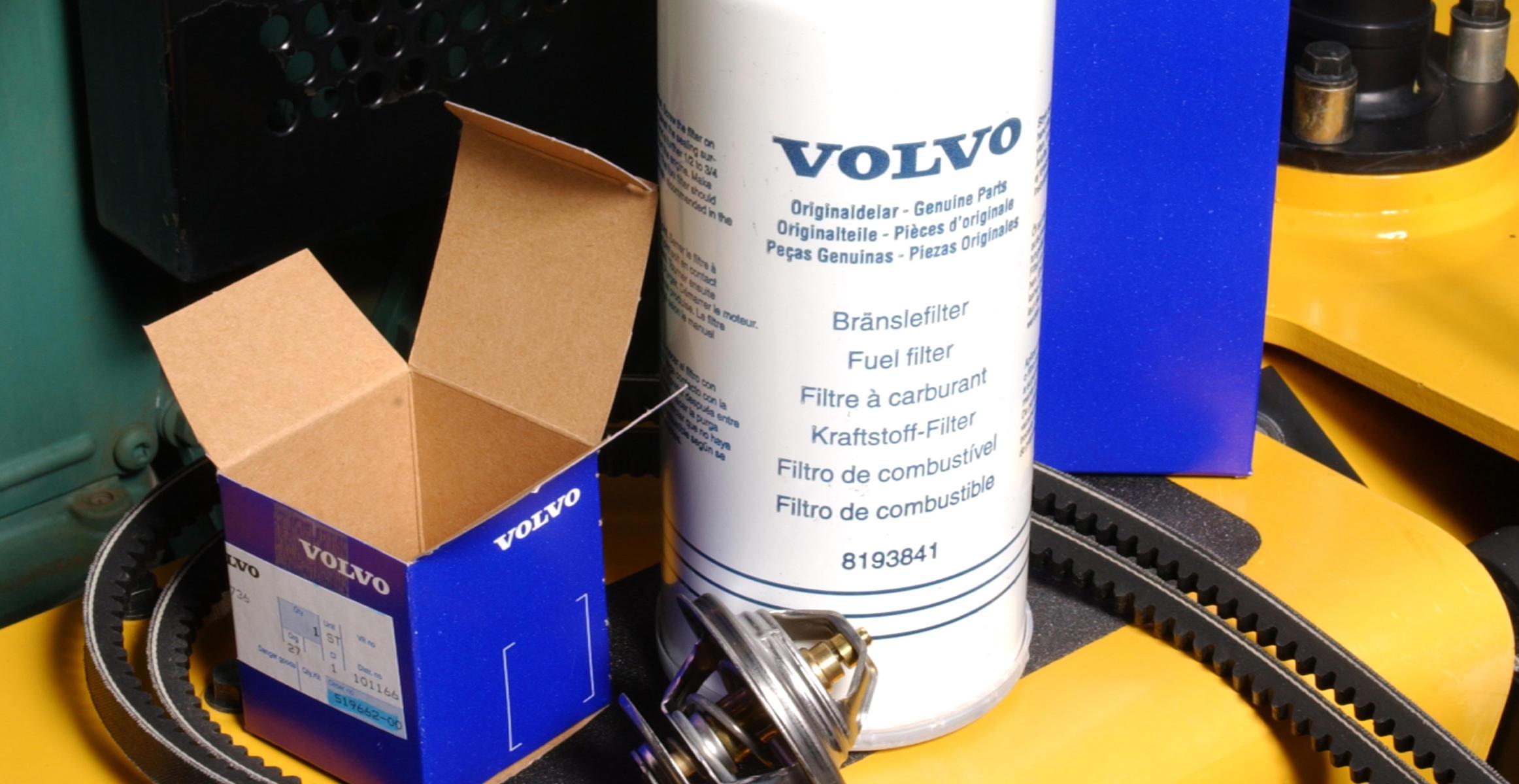 Pre-filling fuel filters