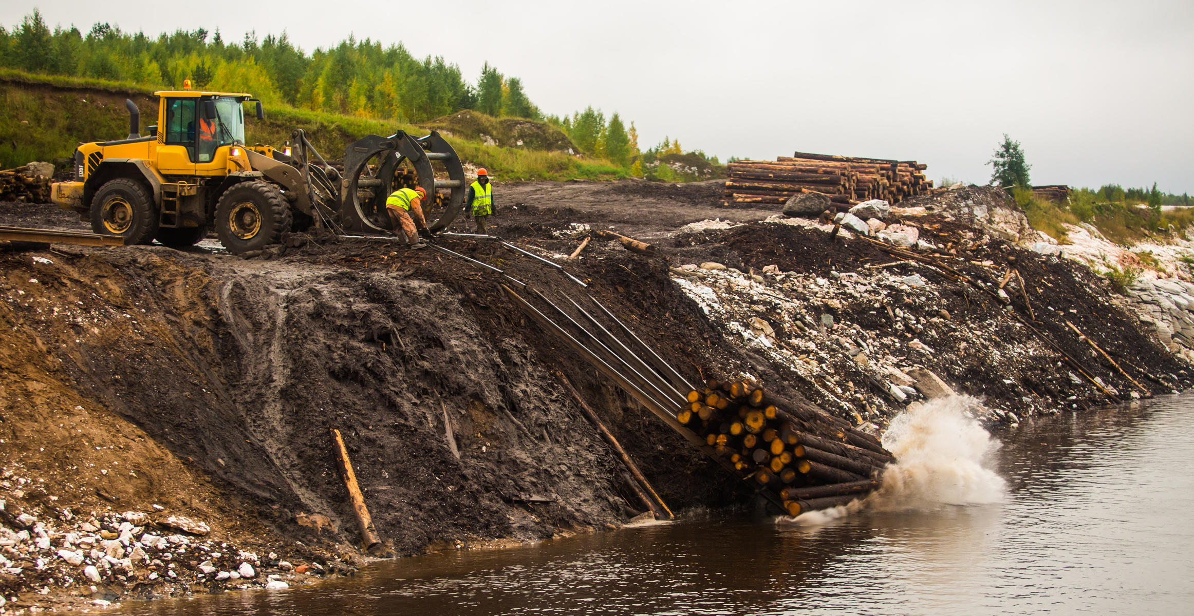 Volvo CE wheel loader by the Northern Dvina river