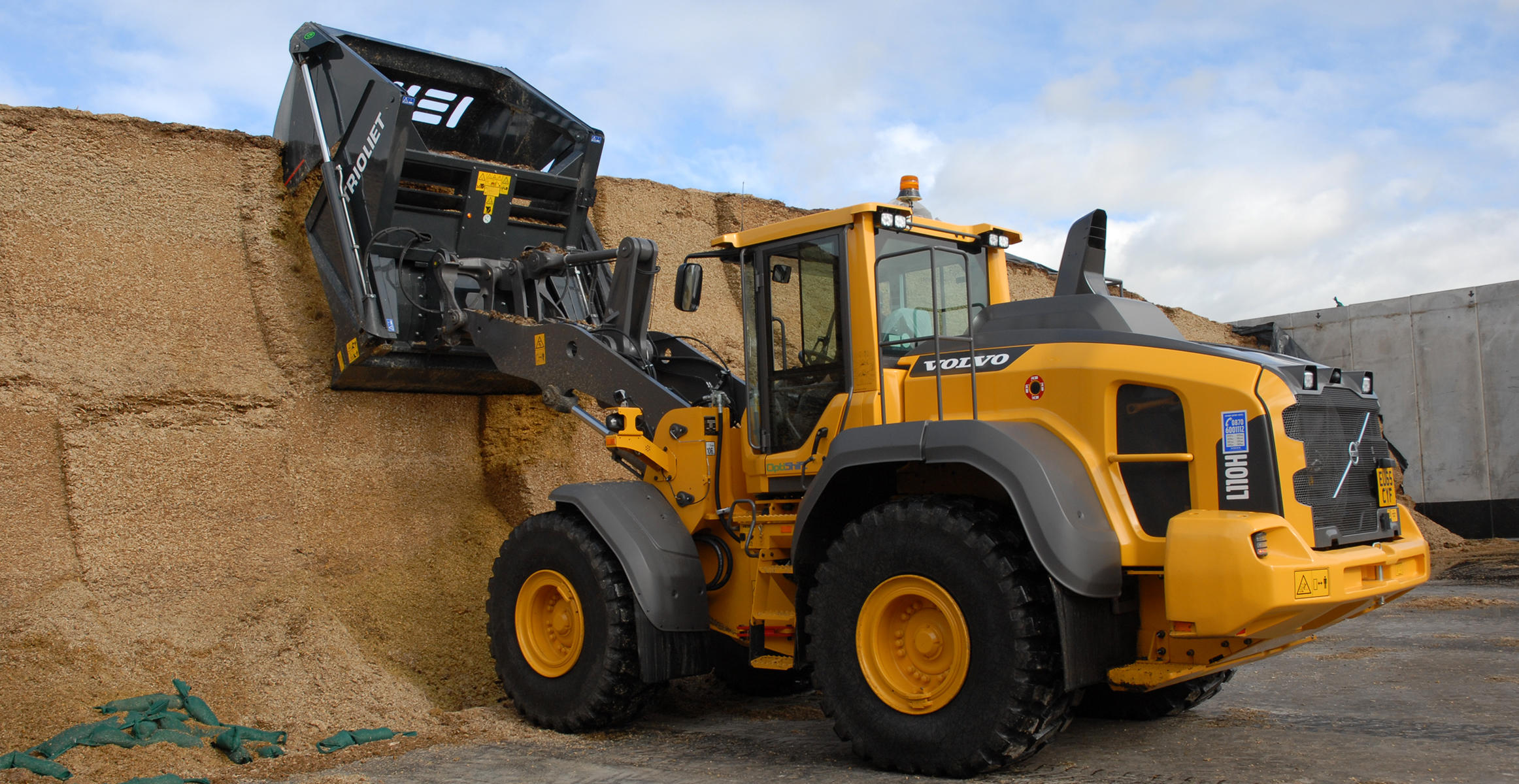 Beeswax Farming adds a new Volvo to anaerobic digester plant