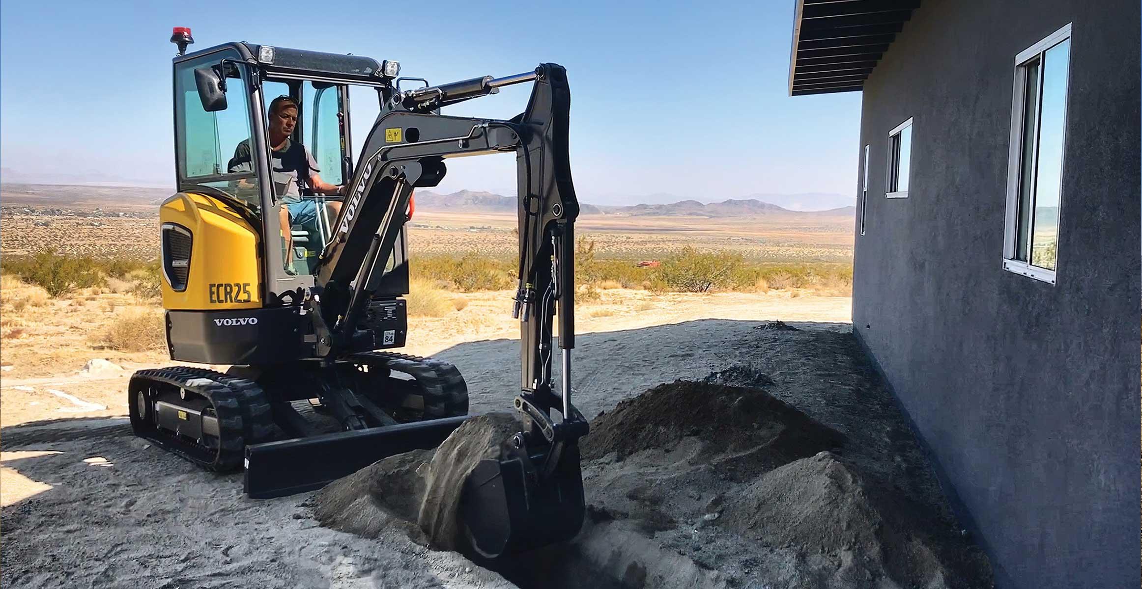 Les engins de chantier verts font leur marque dans le désert